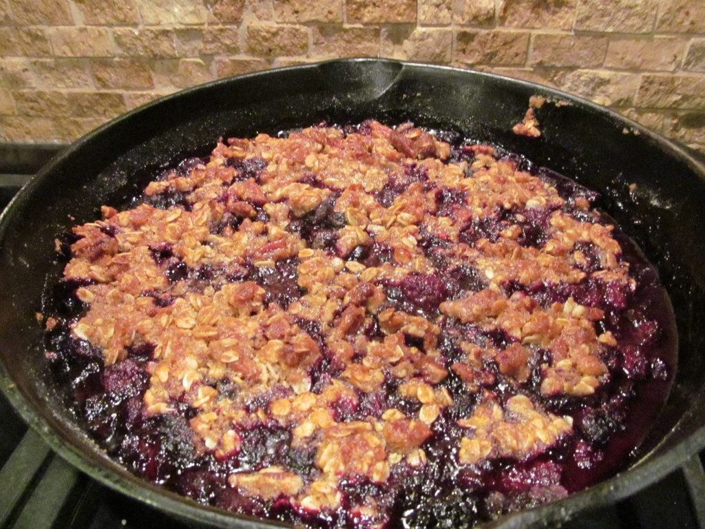skillet blackberry crumble