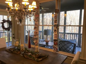 Easy DIY Christmas Card hanging display