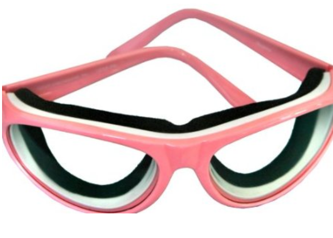 """Onion Goggles: A Must-Have Product For """"No More Tears!"""""""