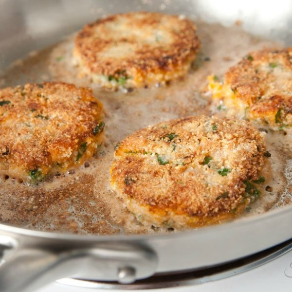 Skillet Fried Salmon Patties {Made From Canned Salmon}