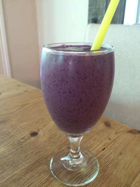 Fresh Blueberry Banana Almond Milk Smoothie