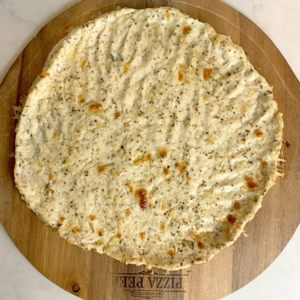 How to make a yummy chicken pizza crust (recipe + video).