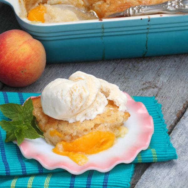 The Best Southern Style Fresh Peach Cobbler