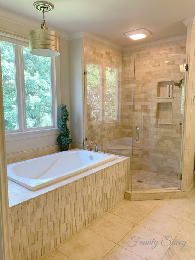 DIY Dawn Vinegar Shower Door Cleaner