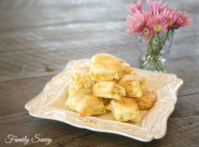 Callie's Cheese & Chive Biscuits {Copycat Recipe}
