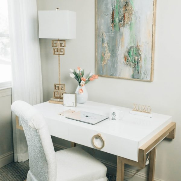 Savvy Tips for Creating a Glamorous & Practical Office Space