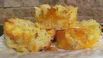 Cheesy Baked Cauliflower Puffs