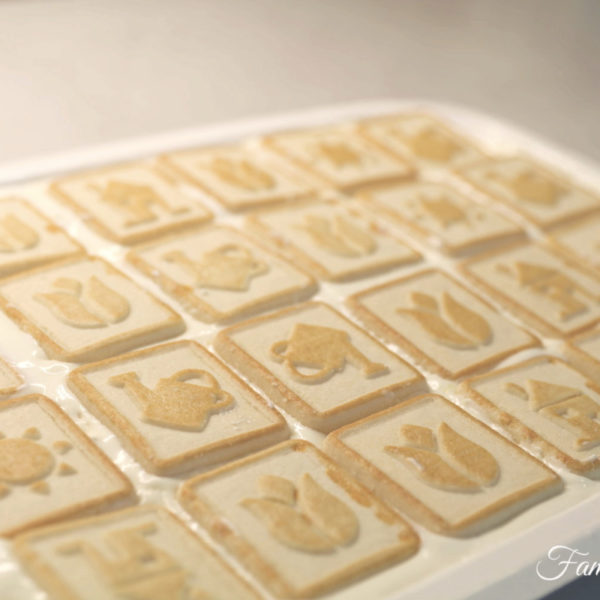 The Queen's Chessmen Banana Pudding {Recipe + Video)
