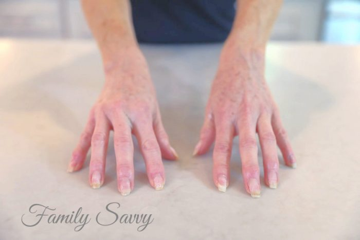 remove SNS or gel nails at home