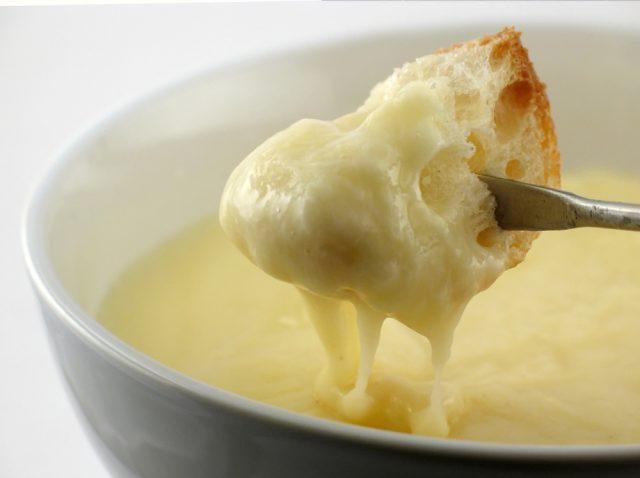 cheddar cheese fondue